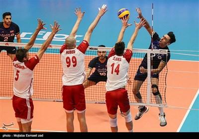 تیم ملی ایران در دومین بازی خود عصر شنبه مقابل تیم ملی لهستان صف آرایی کرد که در پایان به برتری ۳ بر ۲ رسید.