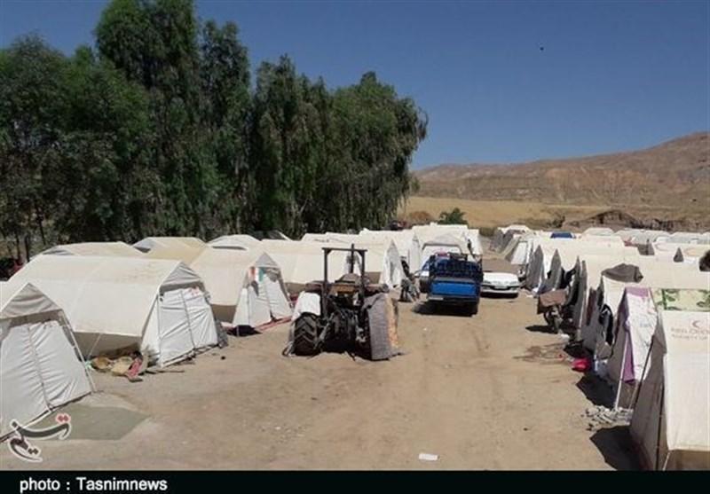بلاتکلیفی و زندگی 75 روزه مردم روستای «چممهر» در زیر چادر؛ روستانشینان مهاجرت کردند+ تصاویر