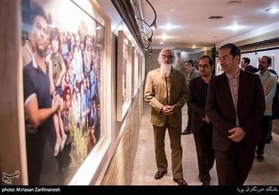 """افتتاح نمایشگاه عکس ونقاشی """"قابی از لبخندناب"""""""