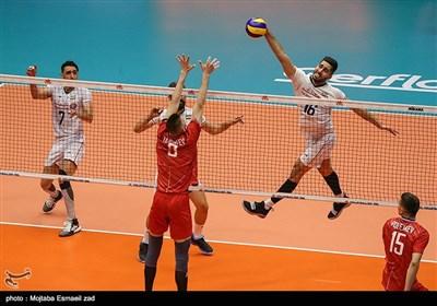 آخرین دیدار هفته سوم رقابتهای لیگ ملتهای والیبال 2019 را تیمهای ملی ایران و روسیه برگزار کردند.در نهایت تیم ملی کشورمان با نتیجه سه بر صفر روسیه را بدرقه کرد.