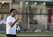 نکونام: حتی نزدیک تیمهایی که قرارداد میلیاردی میبندند هم نیستیم/ منتظری میخواهد فوتبالش را در خارج از ایران ادامه دهد