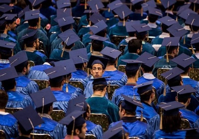 بیاعتنایی دانشجویان ایرانی به زبان فارسی/ چرا باید واژگان بیگانه را از زبان زدود؟