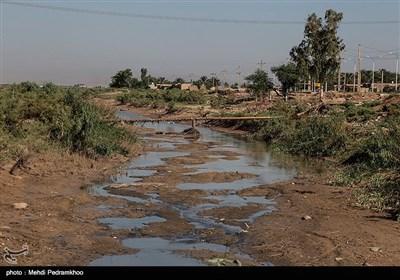 رودخانه کرخه نور (کرخه کور) با طول ۱۰۴ کیلومتر در جنوب شرقی حمیدیه از کرخه منشعب شده و بعد از عبور از هویزه به هورالعظیم میریزد.