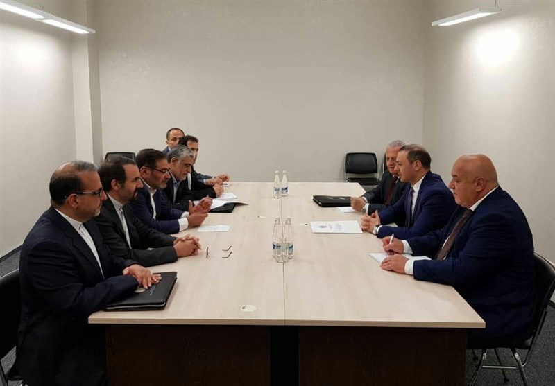 Iran, Armenia Top Security Officials Discuss Closer Ties