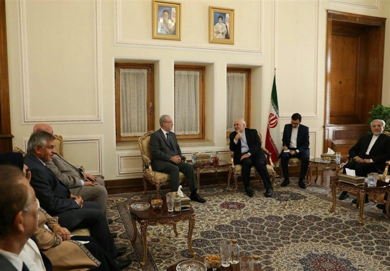 Iran's Zarif, Iraqi Deputy Speaker Discuss Closer Ties