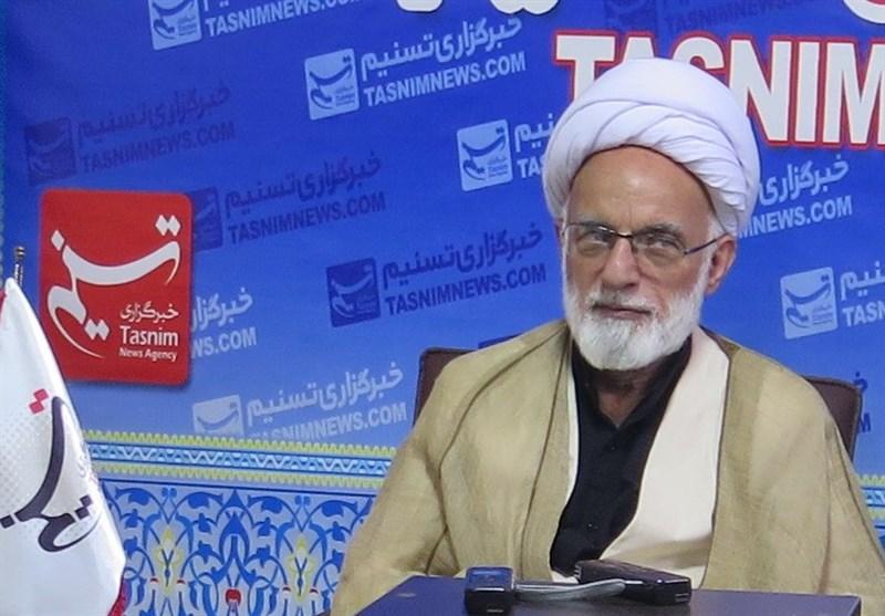 امام جمعه اراک: ایران باید گام چهارم را با قدرت و بدون اعتماد به هیچ کشوری بردارد