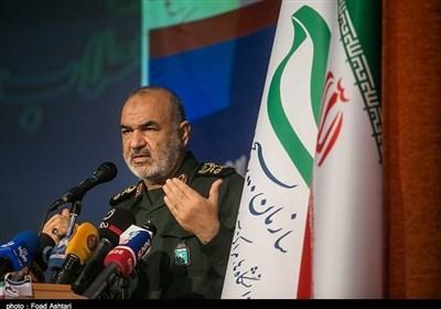 سردار سلامی: بسیج نقطه کانونی عزت امت اسلامی است