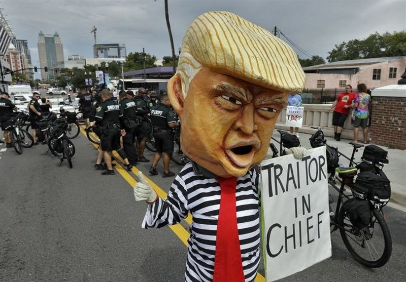 People Protest against Trump at Orlando Rally (+Video)