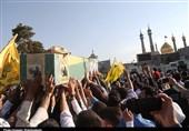 """پیکر طلبه شهید مدافع حرم""""مؤمنی"""" در قم آرام گرفت"""