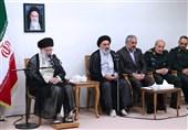 الامام الخامنئی: تکریم الشهداء وأسرهم واجب الشعب والمسؤولین