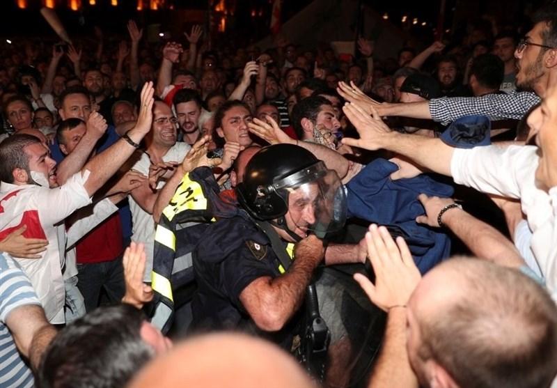 درگیری پلیس و معترضان گرجستان 50 زخمی بر جای گذاشت