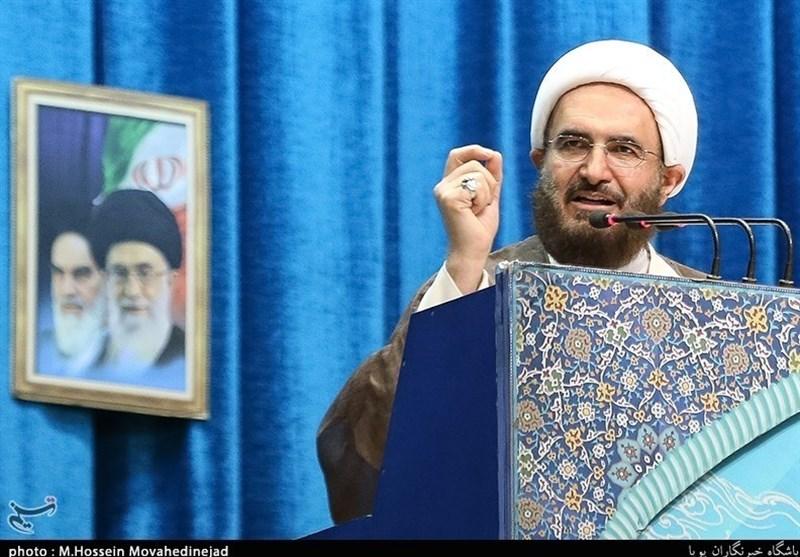 خطیب طهران: محور المقاومة وجه ضربات استراتیجیة للاستکبار خلال الاشهر الماضیة