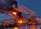 Massive Fire Rips through Oil Refinery in Southwest Philadelphia (+Video)