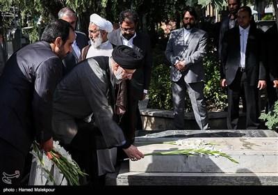 حضور حجتالاسلام سیدابراهیم رئیسی رئیس قوه قضائیه در گلزار شهدای بهشت زهرا(س)