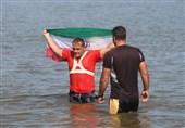 قایقران گیلانی رکورد جدید جهانی پاروزنی روی پدلبورد را ثبت کرد