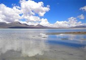 Makhrageh Lake: The Largest Natural Mirror in Iran