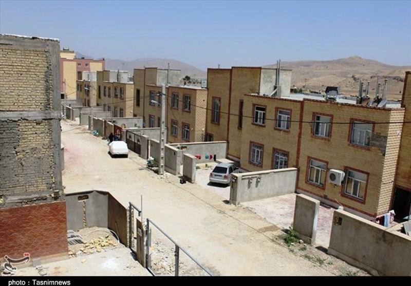 پرونده باز مسکن مهر در استان فارس؛ گلایه ساکنان مسکن مهر نورآباد از معابر خاکی