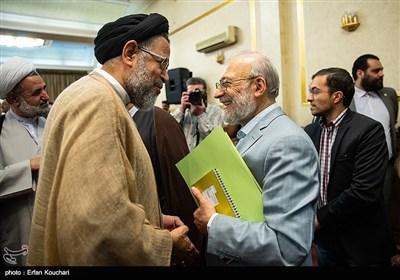 محمدجواد لاریجانی رئیس ستاد حقوق بشر قوه قضائیه ایران و سید محمود علوی وزیر اطلاعات در نشست سفرا و کارداران کشورهای خارجی با رییس قوه قضاییه