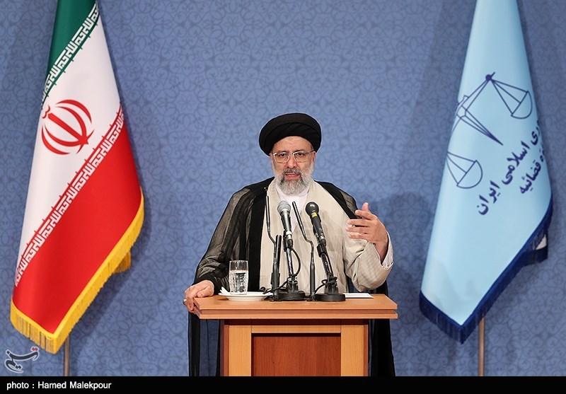 رئیسی: اقتدار امروز ایران نتیجه راهبرد مقاومت است یا مذاکره؟
