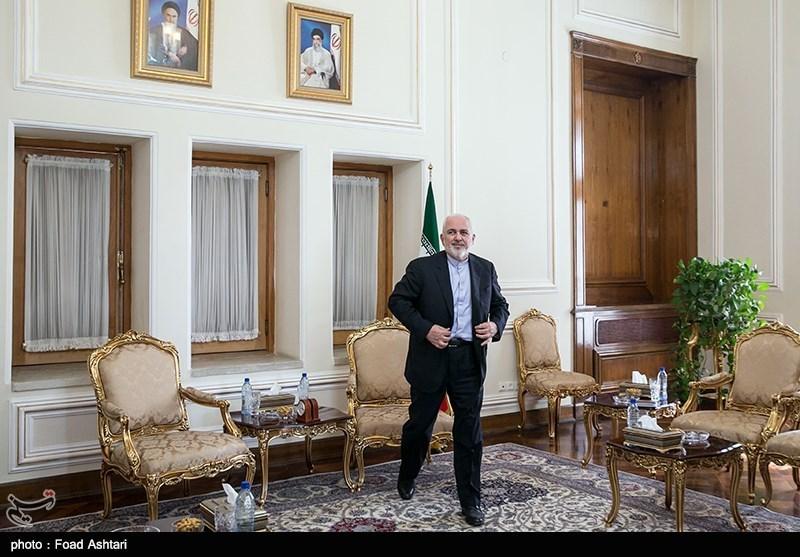 Iran's Zarif Meets Foreign Diplomats in Tehran