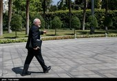 Zarif Dismisses Story on Iran's Contact with Biden Team