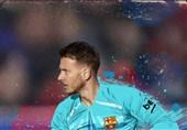فوتبال جهان  بارسلونا دروازهبان والنسیا را به خدمت گرفت