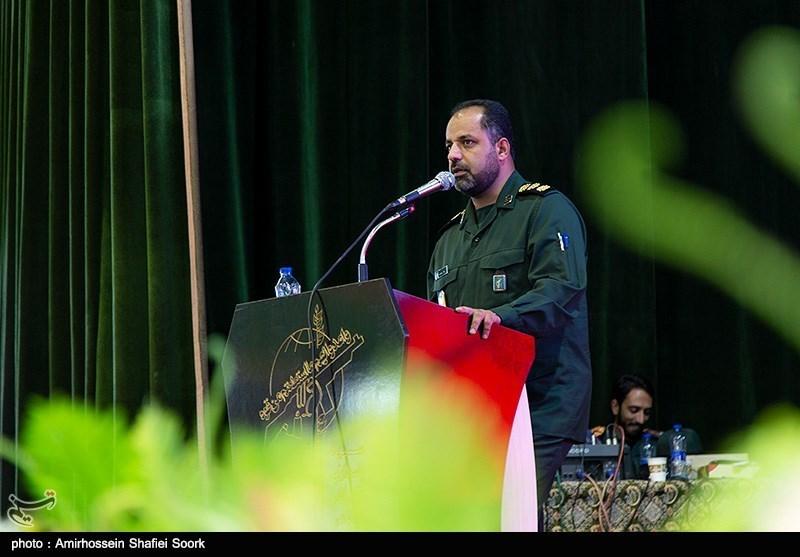 یزد | سپاه و بسیج در راستای تحقق تمدن اسلامی در جامعه حرکت میکنند