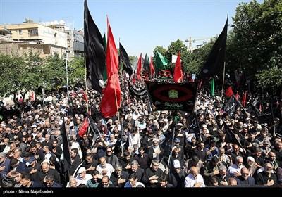 اجتماع عظیم عزاداری امام صادق(ع) صبح امروز در میدان شهدای مشهدمقدس برپا شد.