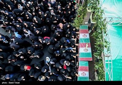 تشییع پیکر 10 شهید گمنام در بجنورد