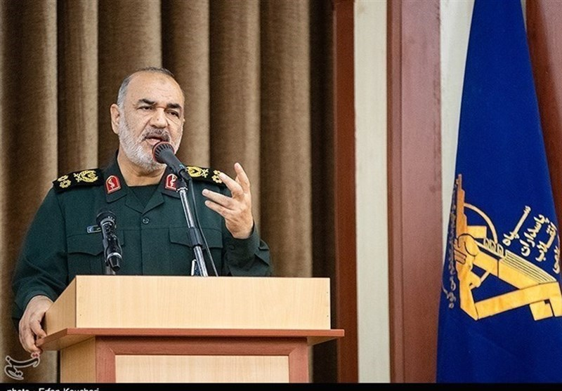 Iran Breaking Monopoly of Communication Technologies: IRGC Commander