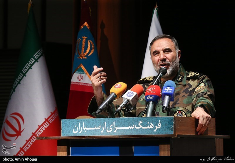 فرمانده نیروی زمینی ارتش روز پاسدار را تبریک گفت