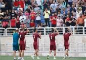 گزارش تمرین پرسپولیس| دسته گل کالدرون و بازیکنان برای هواداران/ بخشیده شدن احمدزاده و سردرگمی بازیکنان + تصاویر