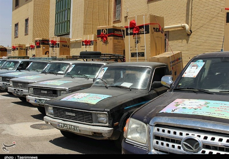 سمنان| 40 سری جهیزیه به نوعروسان نیازمند شهرستان گرمسار تحویل شد