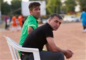 بوشهر| ویسی: هیچ تیمی با 2 باخت سقوط نمیکند و با 2 برد قهرمان نمیشود/ من برای اولین بار رضاییان را در دفاع راست بازی دادم