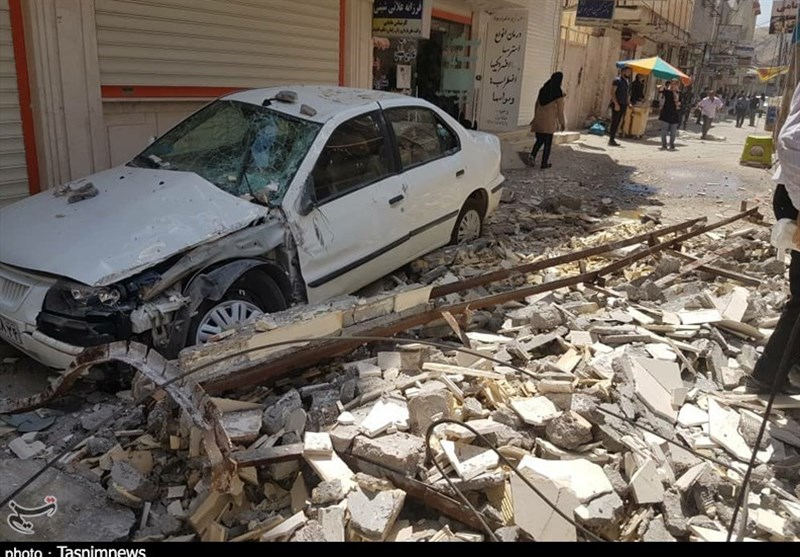 One Killed, 20 Injured in Quake in SW Iran (+Photos, Video)