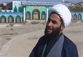 خدمت بدون منت یک روحانی جهادگر برای اهالی روستا + عکس