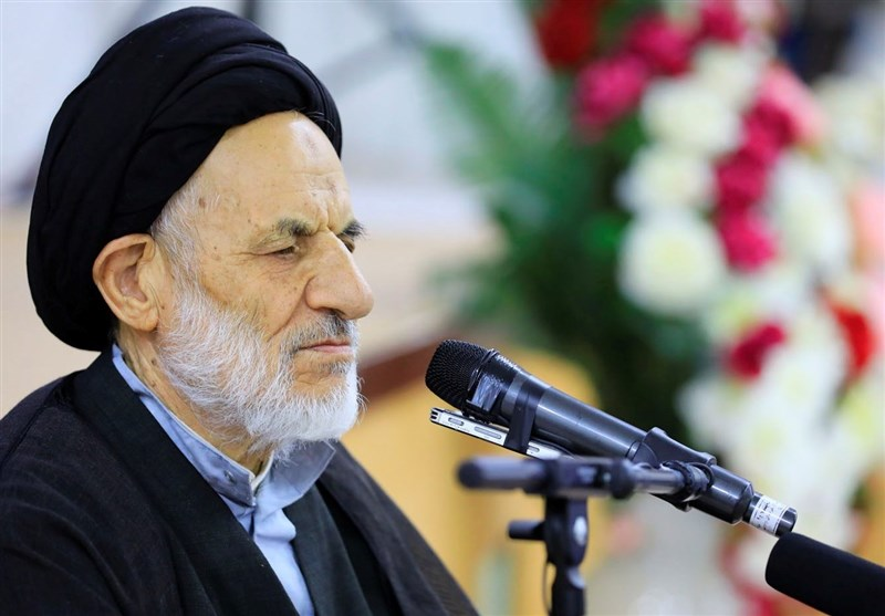 نماینده ولی فقیه در خراسان جنوبی از عموم مردم برای شرکت در راهپیمایی 22 بهمن دعوت کرد