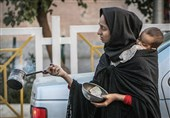 جایگاه کمک به نیازمندان در سبک زندگی اسلامی/ آیا باید به متکدیان خیابانی کمک کنیم؟