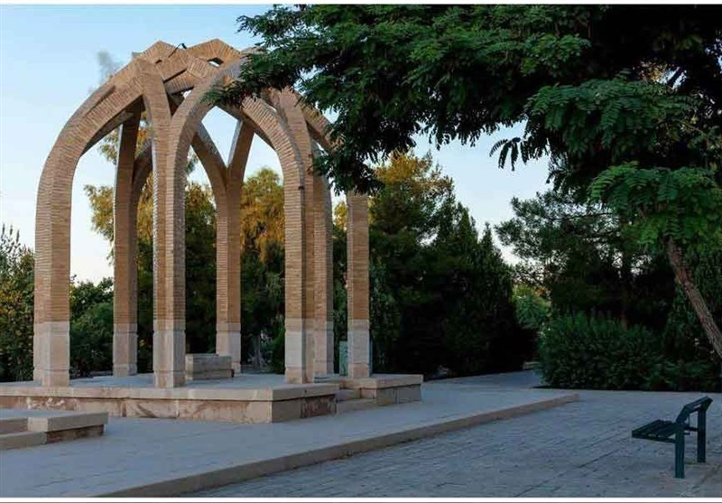 ستارگان مدفون در تخت فولاد  «ملا علیاکبر اژهای» ستارهای درخشان در تاریخ علمای شیعه