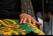 خوزستان| خدام حرم رضوی از خانواده شهید حسین منجزی تجلیل کردند