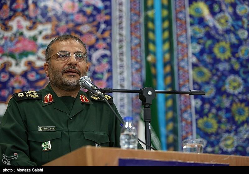 سردار سلیمانی: اجرای طرحهای اقتصادی با تفکرات لیبرالیستی نتیجهای ندارد / بسیج به حوزه رونق تولید ورود کرد