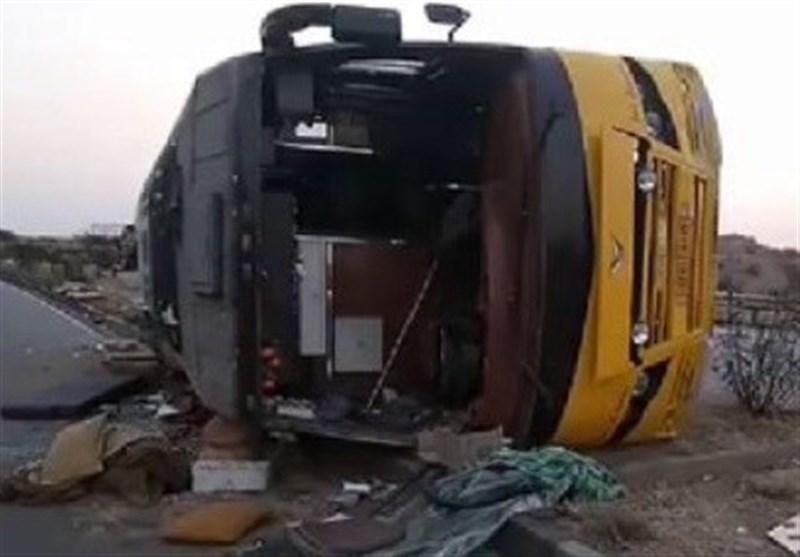 اٹک: مسافر بس حادثے کا شکار 13 افراد جاں بحق، متعدد زخمی