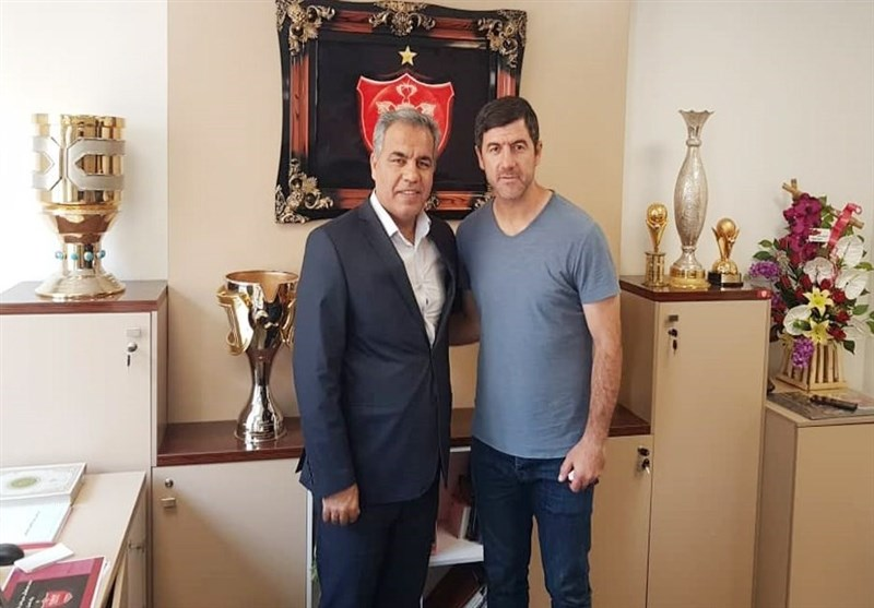 Persepolis Coach Bagheri Pens Contract Extension