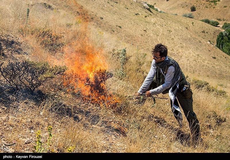 آتشسوزی گسترده در مراتع گلدره فرخشهر شهرکرد