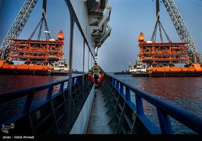 3rd Platform Held in Place in Iran's South Pars Phase 14