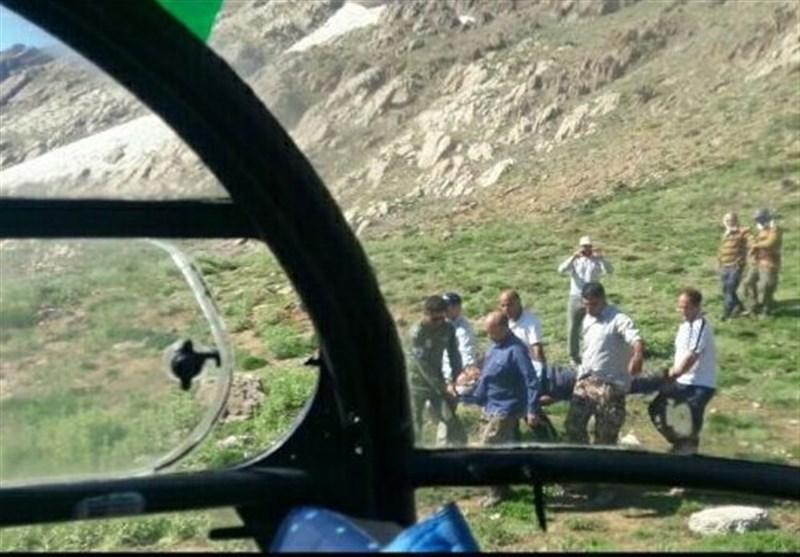 سقوط 2 کوهنورد خرمآبادی در ارتفاعات کل جنو / نجات کوهنوردان توسط بالگرد اورژانس هوایی لرستان