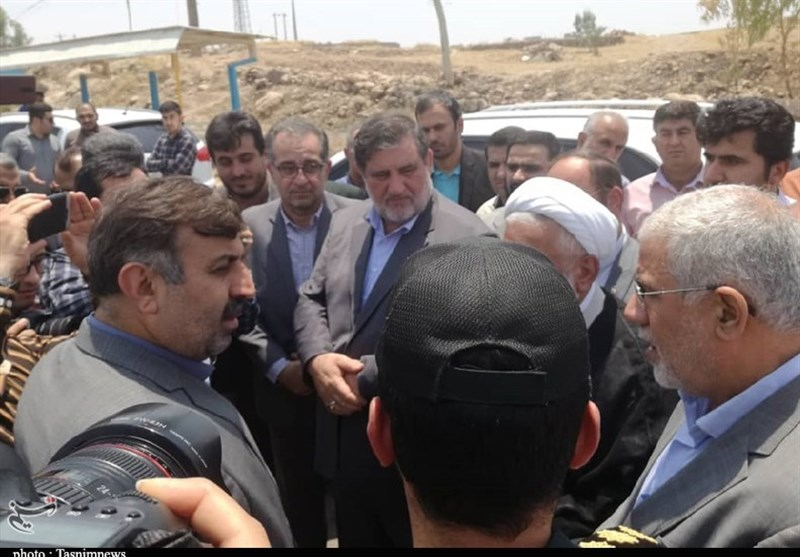 اهواز|رئیس سازمان مدیریت بحران از مناطق زلزلهزده مسجدسلمان بازدید کرد