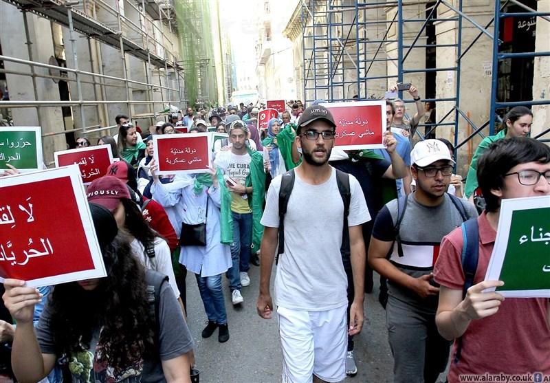 تداوم تظاهرات دانشجویان الجزایری برای کنارهگیری ارکان نظام سابق