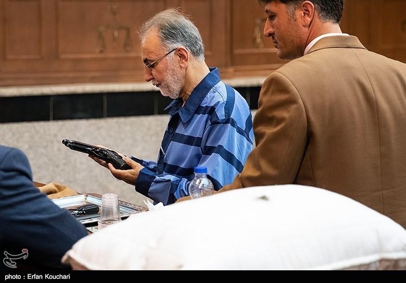وکیل نجفی: دادسرا غیر از اعترافات متهم هیچ دلیل و مدرکی ندارد