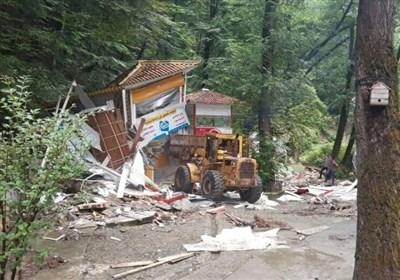 تخریب نیمی از آلاچیقهای یک سفره خانه سنتی در ناهارخوران/ غیرمجازها در نویت تخریب قرار دارند